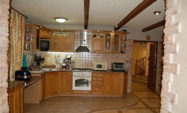 В Нижнем Новгороде продают девятикомнатную квартиру с бассейном и зоной барбекю 1