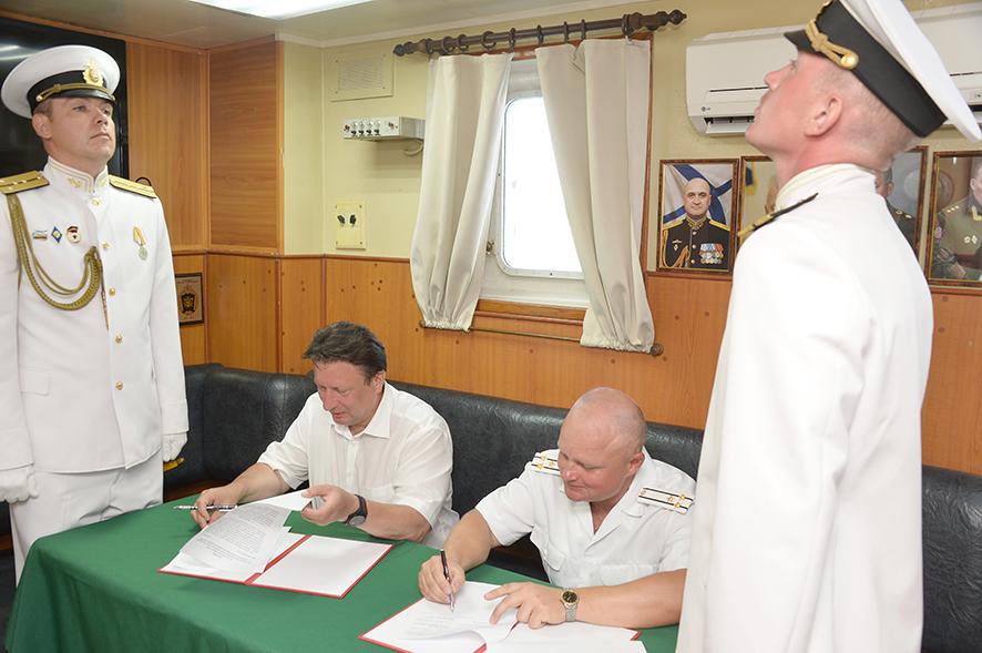 Делегация АПЗ приняла участие в праздновании Дня военно-морского флота в Севастополе 3