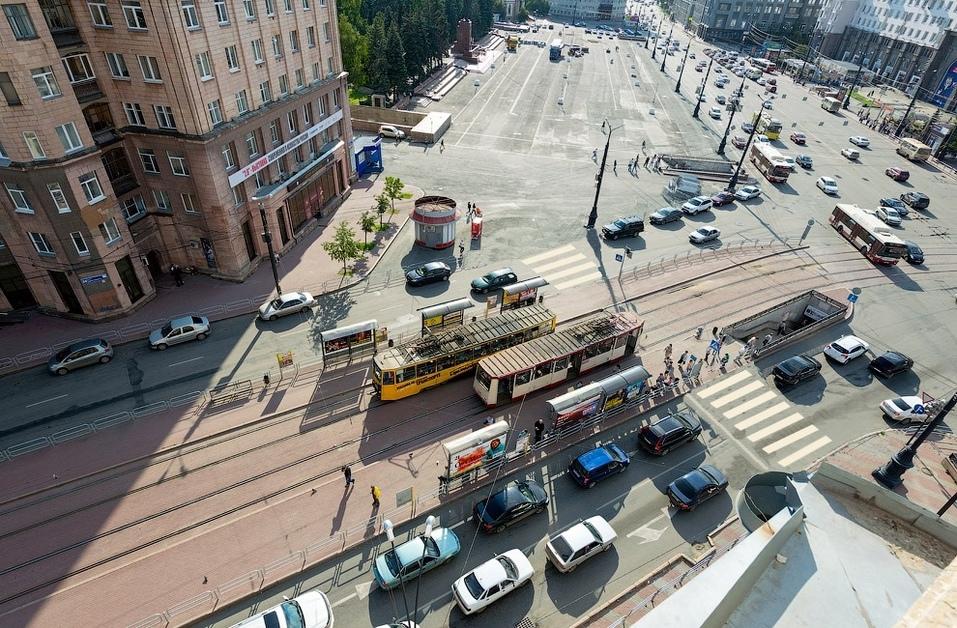 В центре Челябинска отремонтировали подземный переход, где разбился мужчина 1