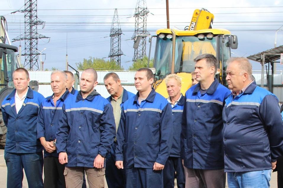 Гендиректор «Теплоэнерго» Илья Халтурин поздравил победителей соревнования водителей  1