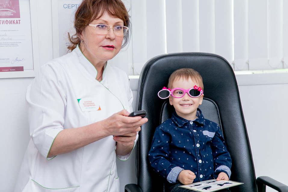 Планета «прищуренных» детей: как замедлить развитие близорукости? 1