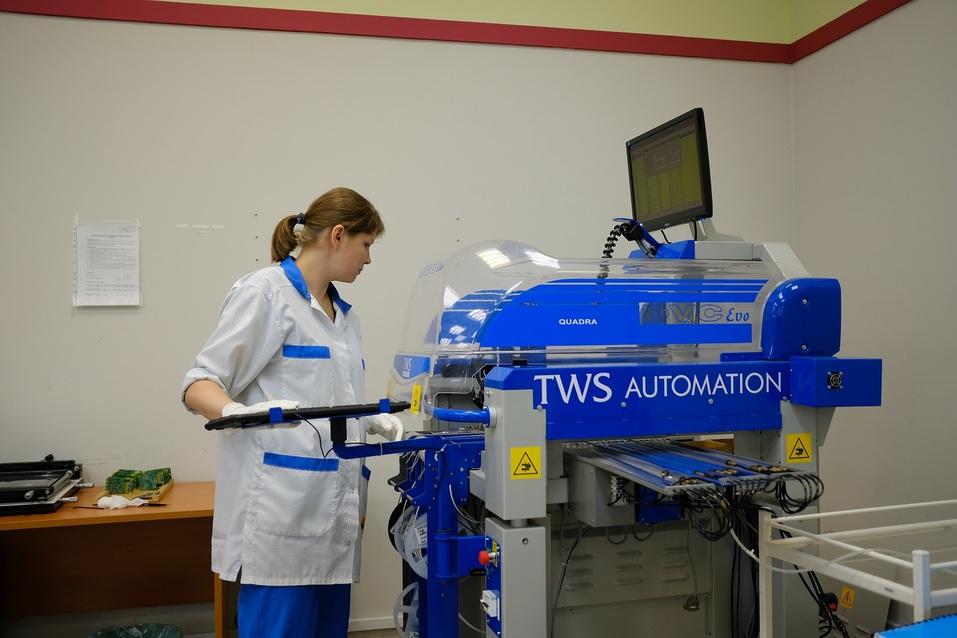 Автоматическая машина для изготовления печатных плат