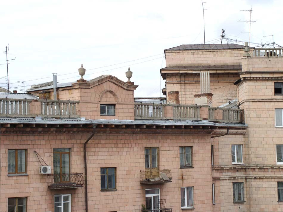 «Получается порнография». В центре Челябинска ремонт дома вызвал бурное возмущение 2