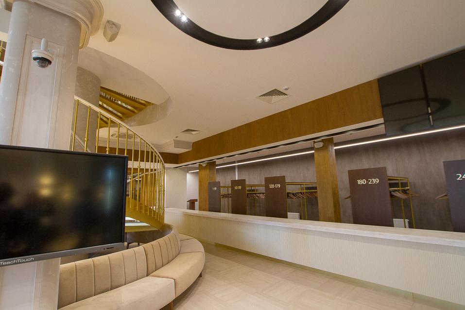 Холл в новом корпусе Синара Центра