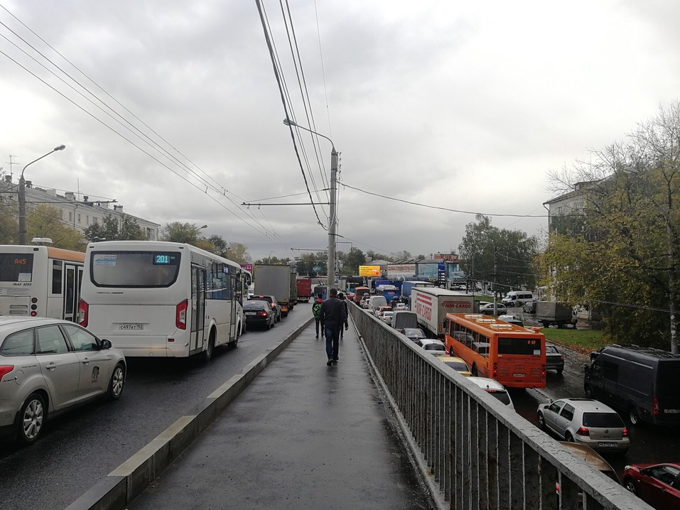 Перегородили трассу. Товарный поезд сошел с рельсов в Нижнем Новгороде 3