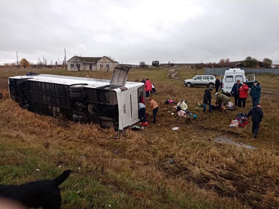 Автобус с туристами перевернулся под Нижним Новгородом 1