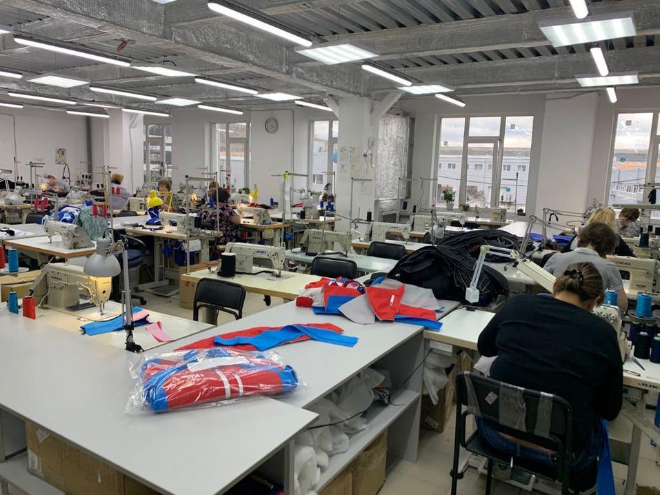 Цена контракта — 1 млрд руб. Уральский производитель будет отшивать одежду для Decathlon 1