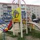 Новая детская площадка и благоустроенный двор появились на улице Лескова 1