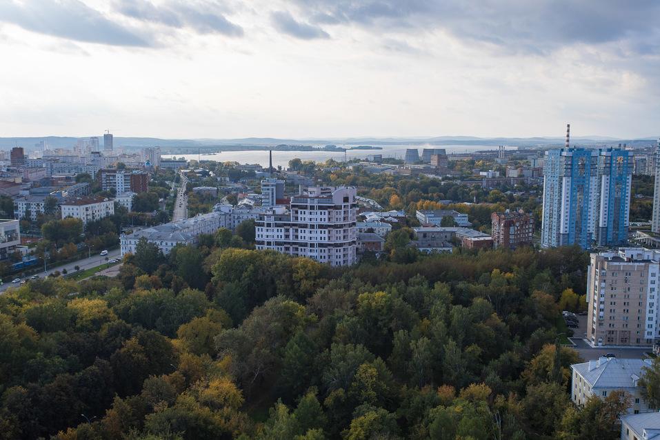«Маленькая Швейцария в центре Екатеринбурга». В городе строят экологичный электродом 7