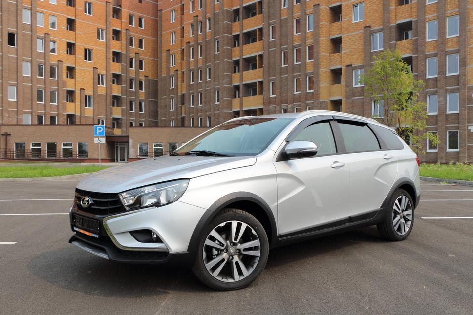 Вездеходы, но не джипы: лучшие кросс-версии автомобилей, представленные в России 2
