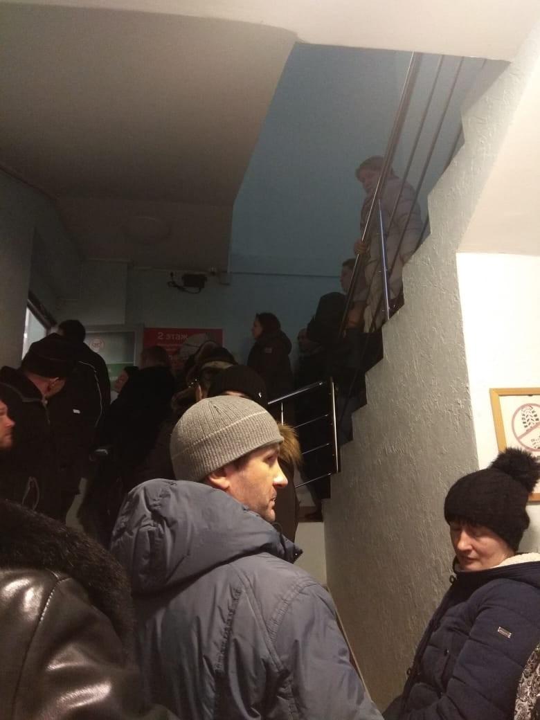 Медкомиссия будет стоить 5-7 тыс. руб. Водители штурмуют клиники Свердловской области 1