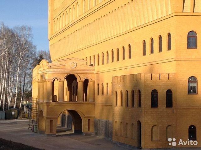 Скидка 135 млн руб. Под Екатеринбургом четвертый год пытаются продать итальянский замок 2