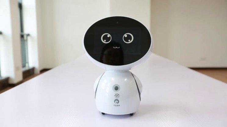 Genie Connect может поговорить и позвонить врачу. Фото: Service Robotics Limited