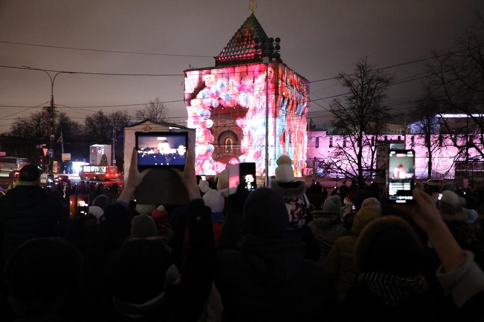 Олененок, яркие цвета и история города. На кремле зажглась новая подсветка за 56 млн 2