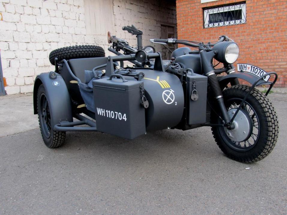На бывшей площадке «Года живописи» в Красноярске открылась выставка раритетных мотоциклов 2