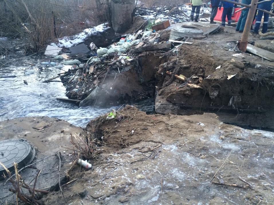 Район может остаться без воды. Крупная авария произошла на коллекторе в Нижнем Новгороде 2