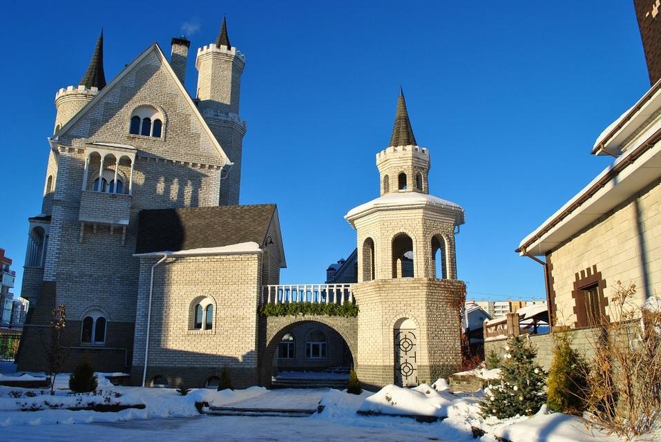В Челябинске продается «средневековый» замок за 20 млн руб 1