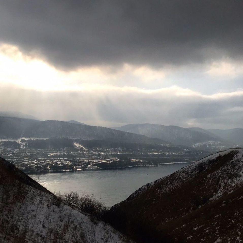 Известный российский журналист прилетел в Красноярск снимать фильм об экологии 1