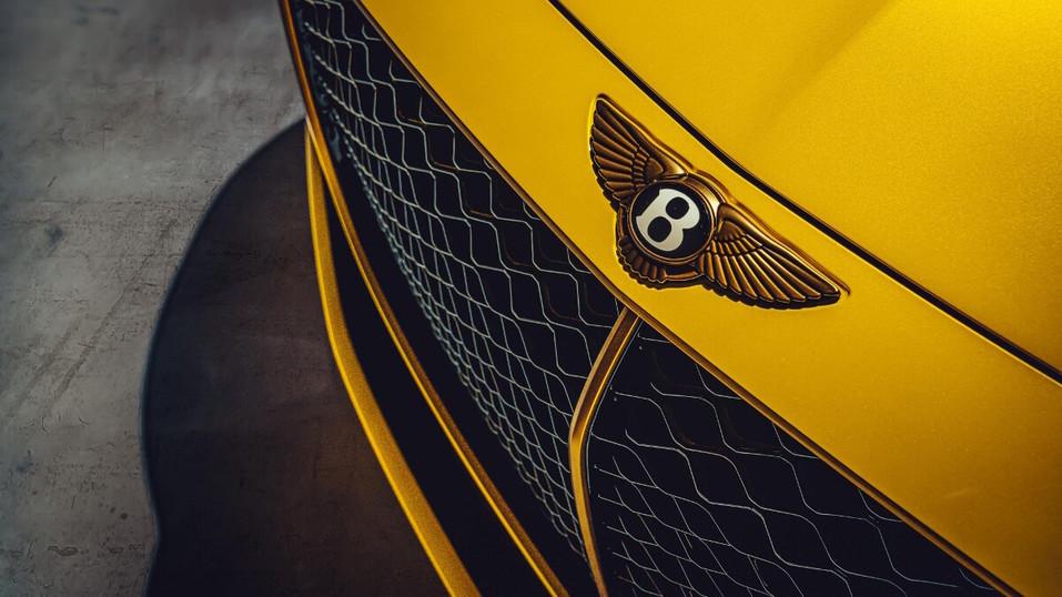 Компания Bentley представила эксклюзивный Bacalar 5
