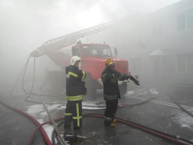 Крупный пожар на производстве. Сгорел цех площадью 350 кв. м 2