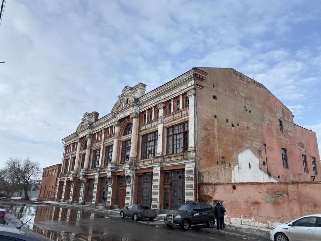 В Челябинской области прокуратура требует чиновников восстановить исторический особняк 1