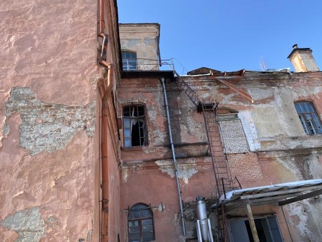 В Челябинской области прокуратура требует чиновников восстановить исторический особняк 3