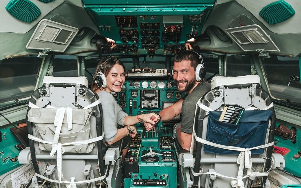 Как удивить бизнес-партнера и подарить новый уровень эмоций? Вам – за штурвал самолета! 6