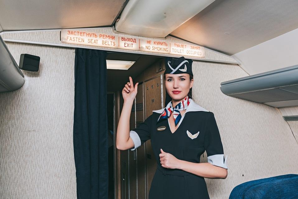 Как удивить бизнес-партнера и подарить новый уровень эмоций? Вам – за штурвал самолета! 18