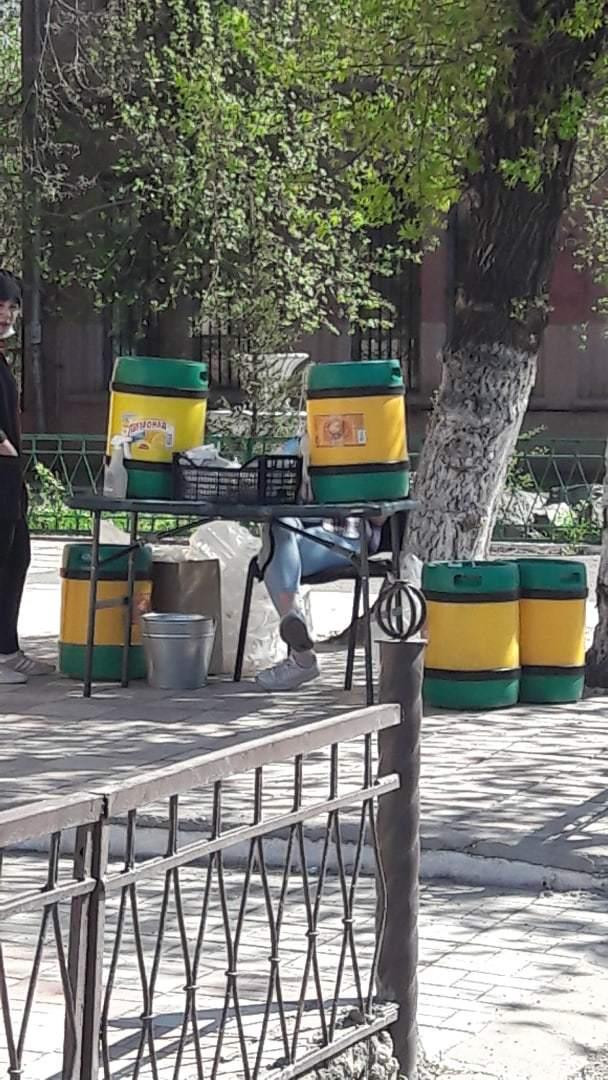 Торговцы квасом с бочки возмутили жителей Челябинской области 1