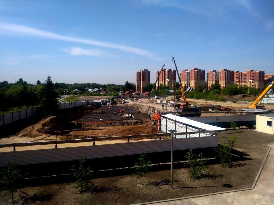 «Стрижи» снесли ветхий дом для строительства ЖК. Видео  1