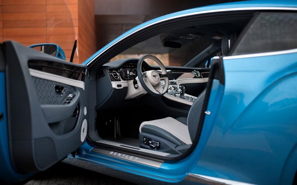 В Красноярск прибыл новый Continental GT V8 1