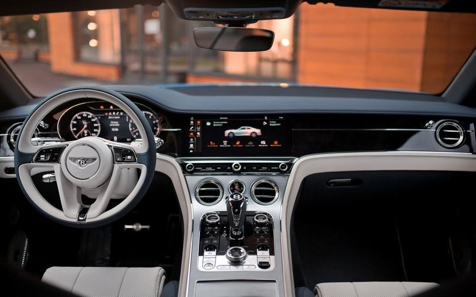 В Красноярск прибыл новый Continental GT V8 2