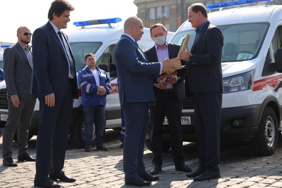 Предприниматели подарили Екатеринбургу тридцать машин скорой помощи 2
