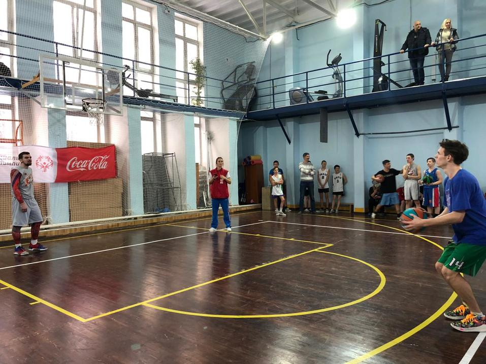 Матчи равных возможностей по баскетболу прошли в Новосибирске 1