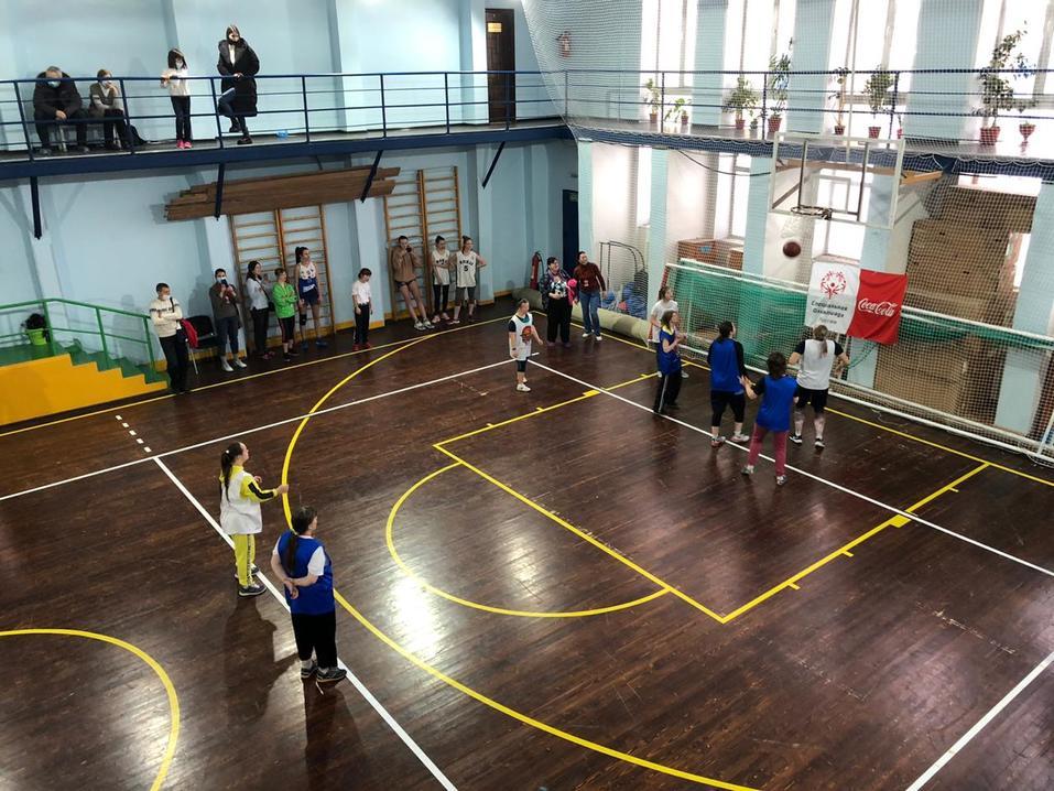 Матчи равных возможностей по баскетболу прошли в Новосибирске 2