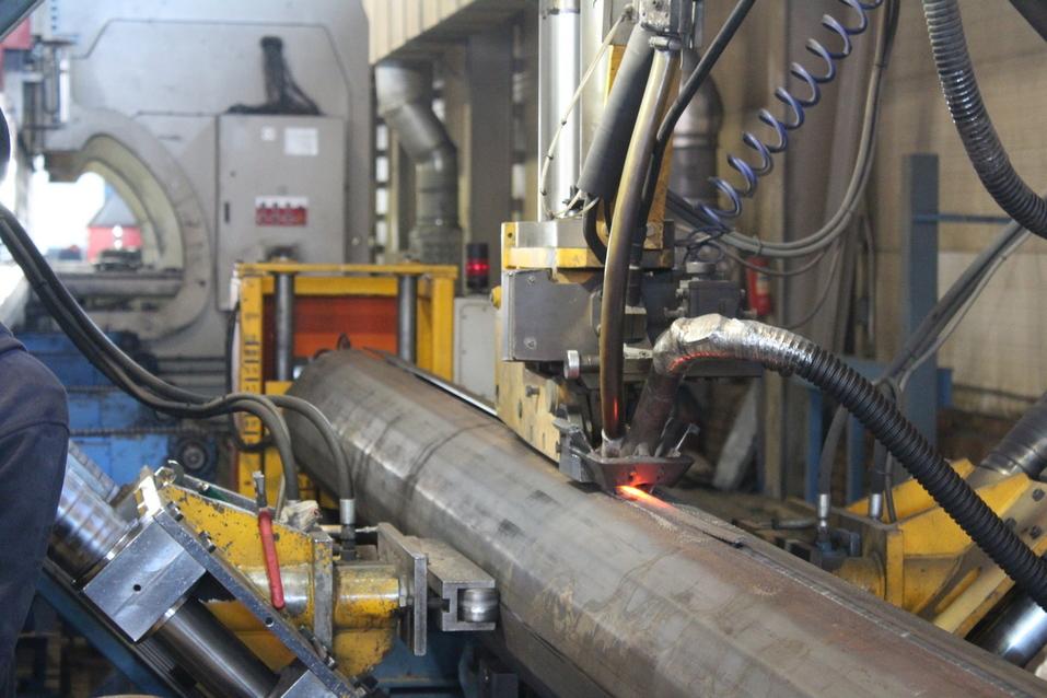 Для производства опор используются современные высокоточные станки