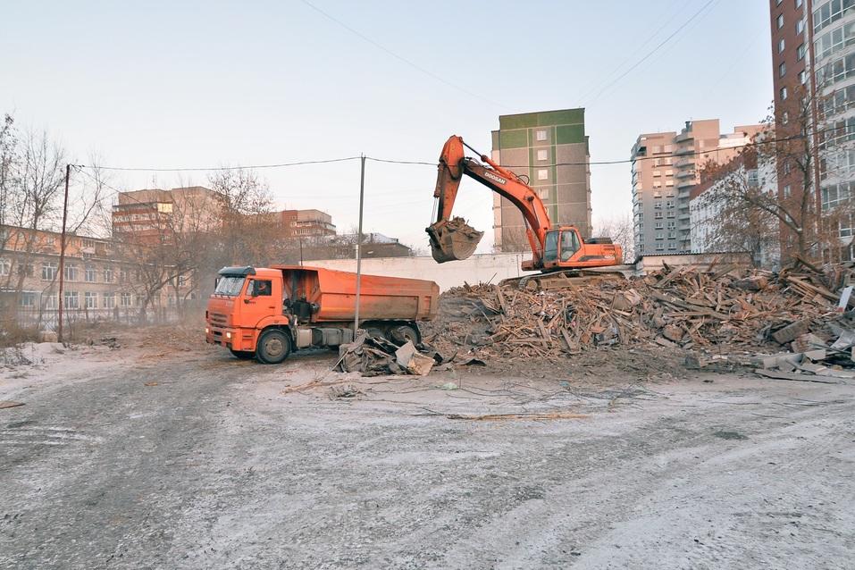 Снос ветхого ветхого жилья под строительство нового