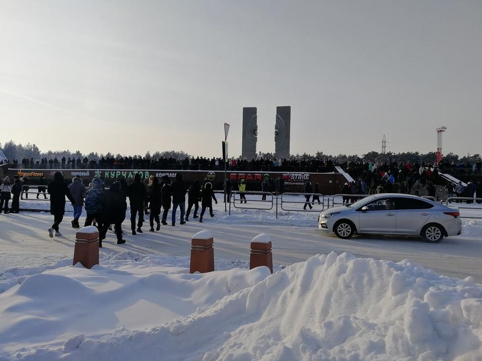 Ледяной марш: как в Челябинске проходила уличная акция в поддержку Навального 7