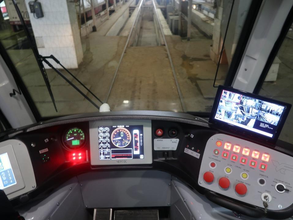 Власти похвалили трамвай УКВЗ, который обкатывают в Челябинске, но покупать его не спешат 1