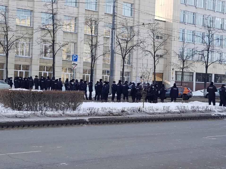 Прогулка с препятствиями: вторая волна несанкционированных митингов в Челябинске. ВИДЕО 4