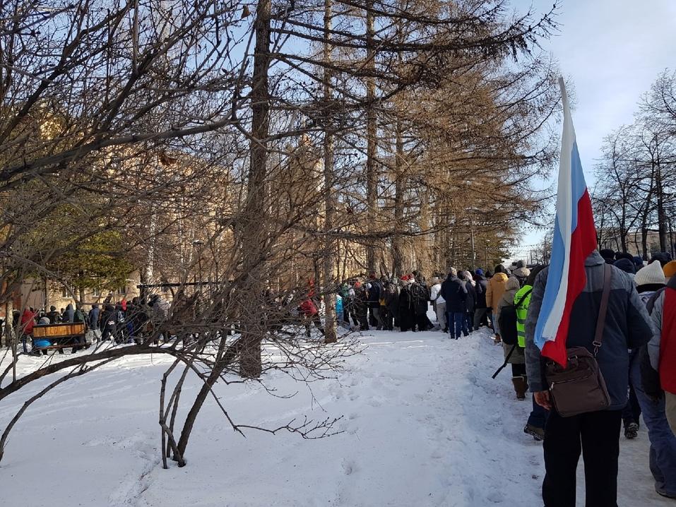 Прогулка с препятствиями: вторая волна несанкционированных митингов в Челябинске. ВИДЕО 1