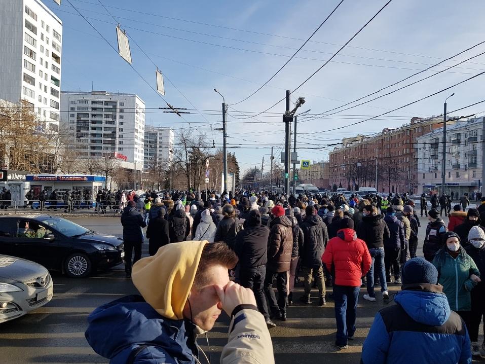 Прогулка с препятствиями: вторая волна несанкционированных митингов в Челябинске. ВИДЕО 5