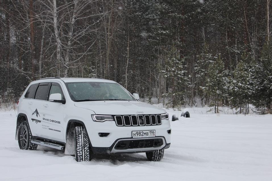 Драйв без лишних заморочек. Тестируем Jeep Grand Cherokee 8