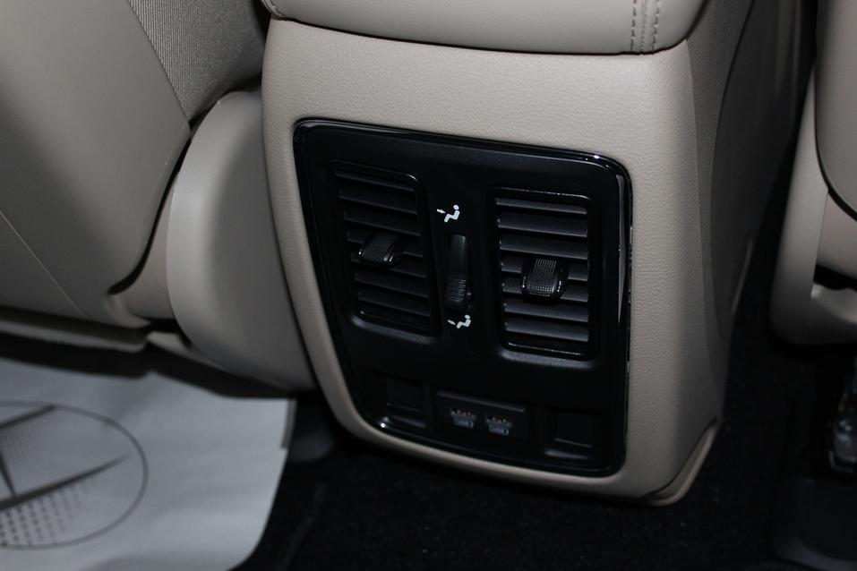 Драйв без лишних заморочек. Тестируем Jeep Grand Cherokee 6