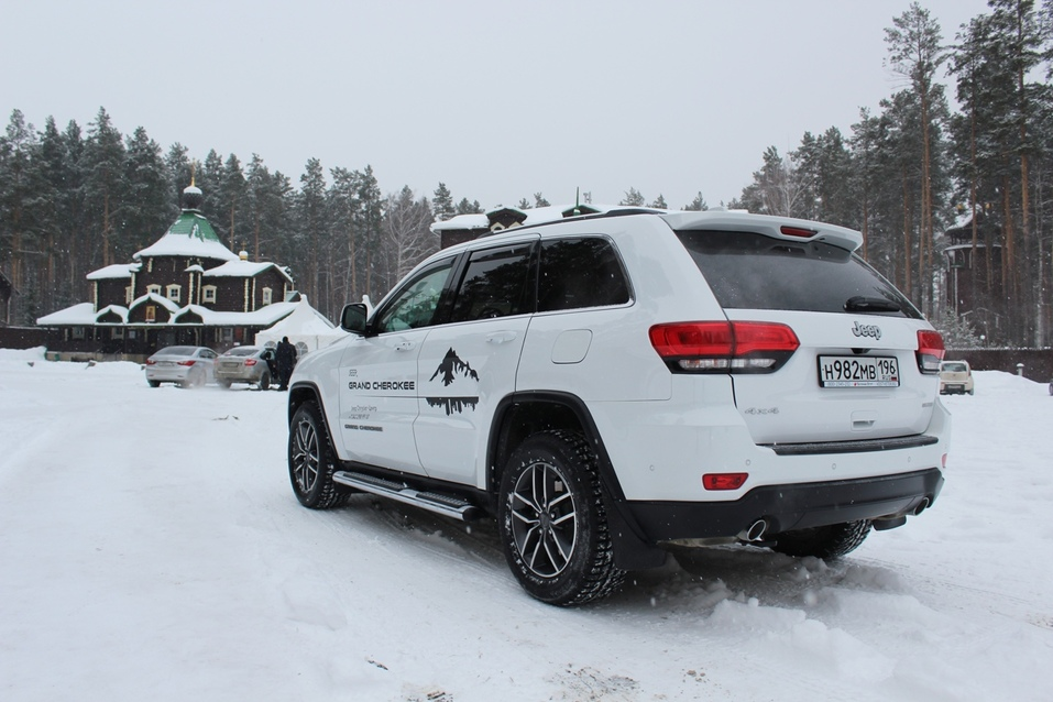 Драйв без лишних заморочек. Тестируем Jeep Grand Cherokee 3