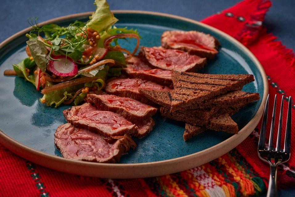 Отведайте «Сирене по-шопски»: на Урале открылся первый ресторан болгарской кухни 7