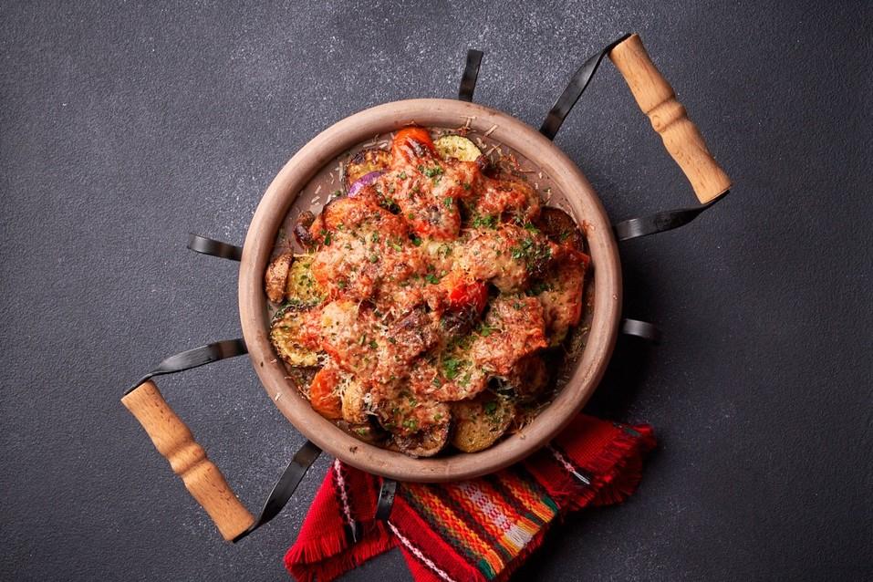 Отведайте «Сирене по-шопски»: на Урале открылся первый ресторан болгарской кухни 10