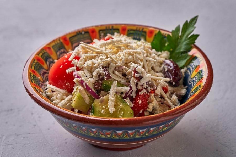 Отведайте «Сирене по-шопски»: на Урале открылся первый ресторан болгарской кухни 12