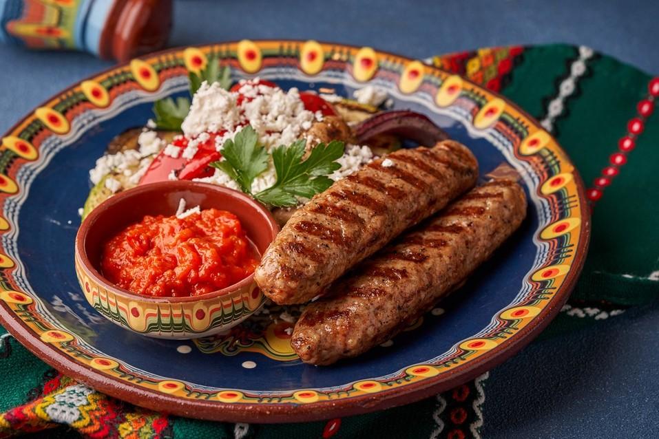 Отведайте «Сирене по-шопски»: на Урале открылся первый ресторан болгарской кухни 14