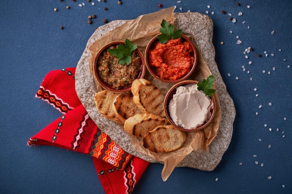 Отведайте «Сирене по-шопски»: на Урале открылся первый ресторан болгарской кухни 13